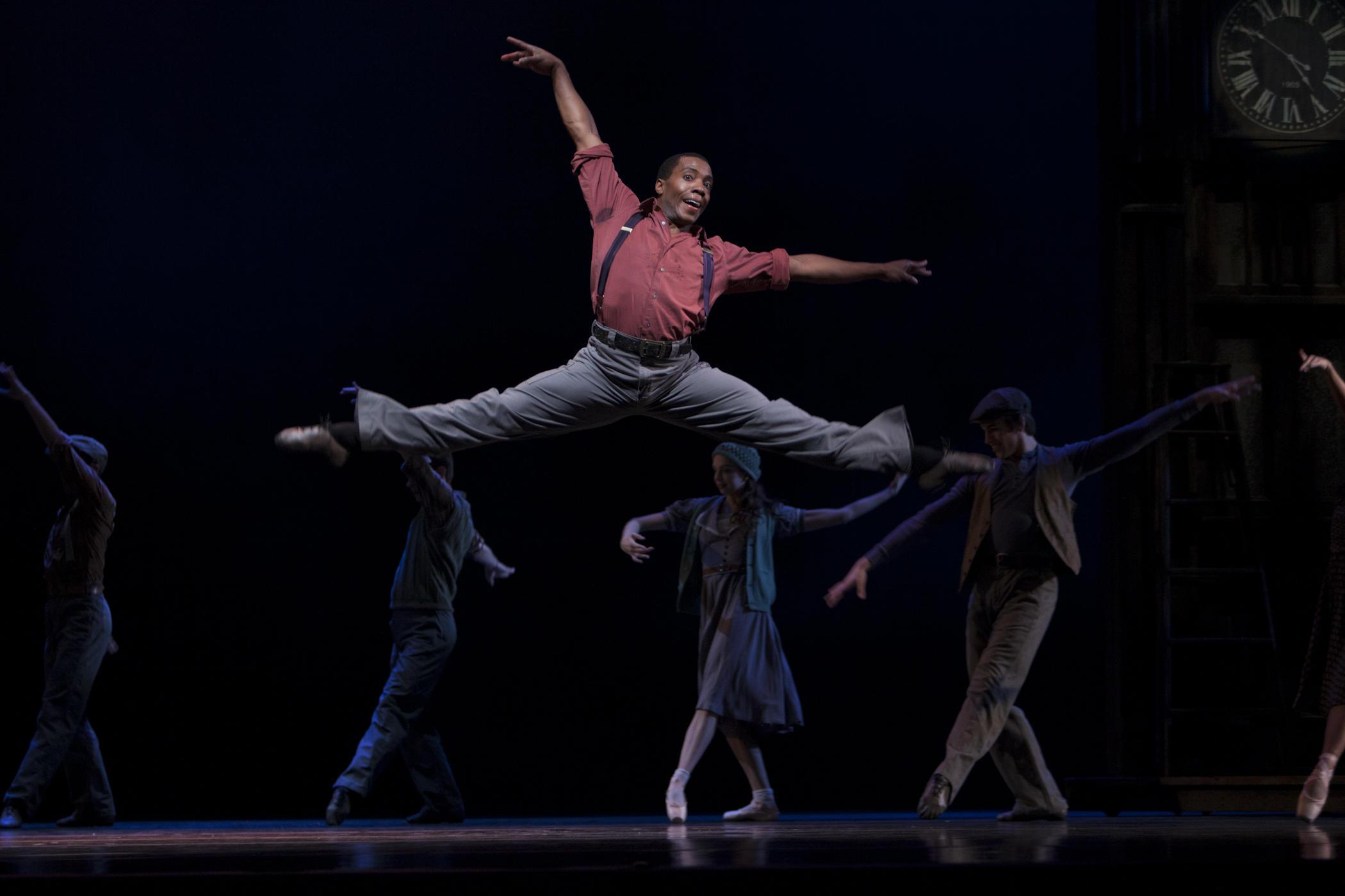 Kiyon Gaines in Twyla Tharps' Waiting At The Station. Photo © Lindsay Thomas.