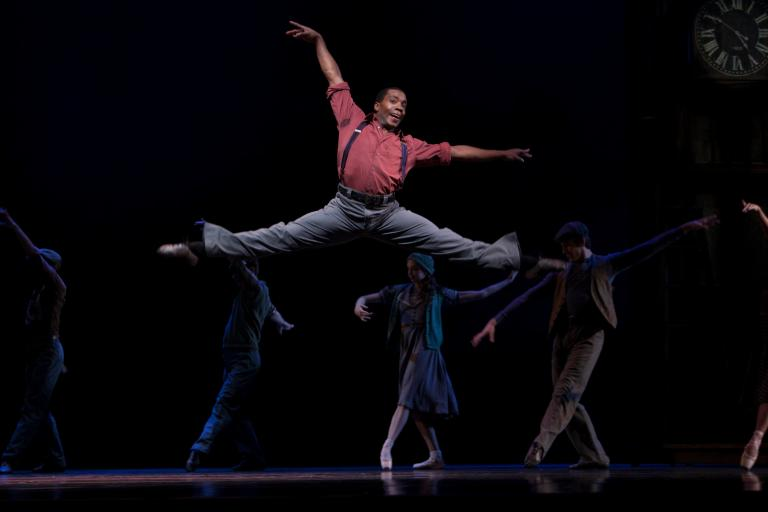 Kiyon Gaines in Twyla Tharps' Waiting At The Station. Photo © Lindsay Thomas.