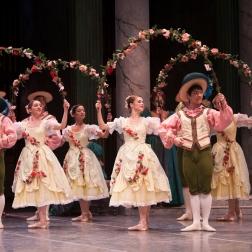 Garland Dancers ©Angela Sterling