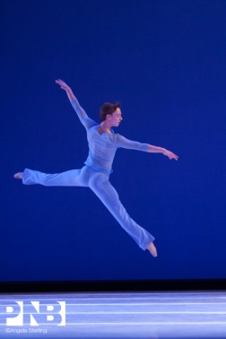 Davis in Sum Stravinsky ©Angela Sterling